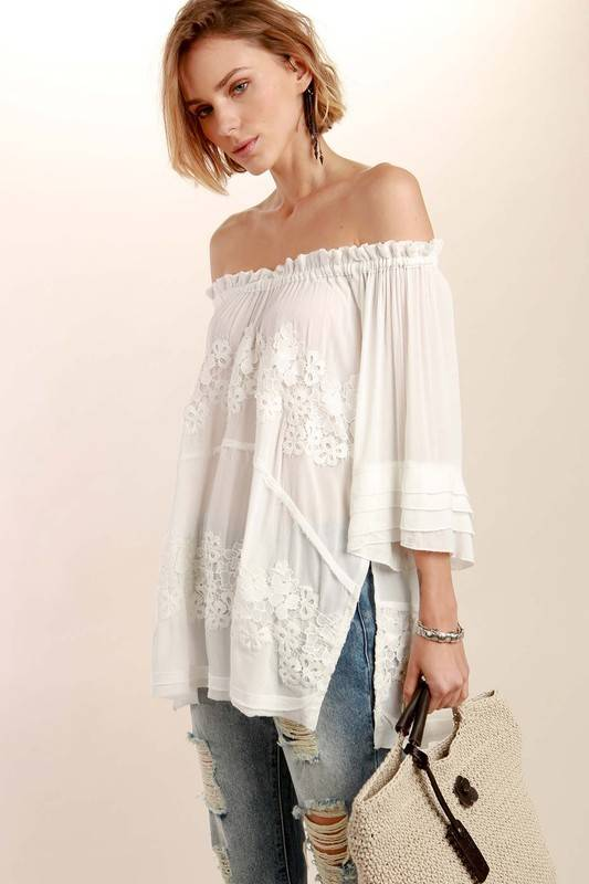 Pol Ruffle neck top w/tiered sleeve