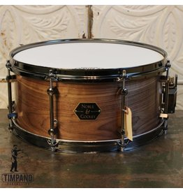 Noble & Cooley Caisse claire Noble & Cooley Walnut 14X6.5po
