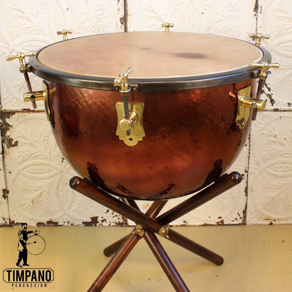 Adams Timbale Baroque Adams avec support en bois et peau de veau 23po