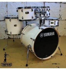 Yamaha Yamaha Stage Custom Pure White 20-10-12-14in + 14in snare and tom mount