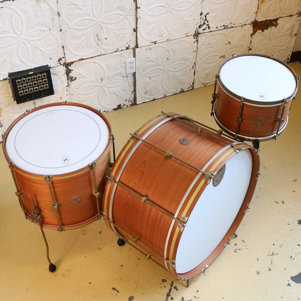 A&F Drum Co Batterie A&F Mahogany Club Kit 26-14-18po