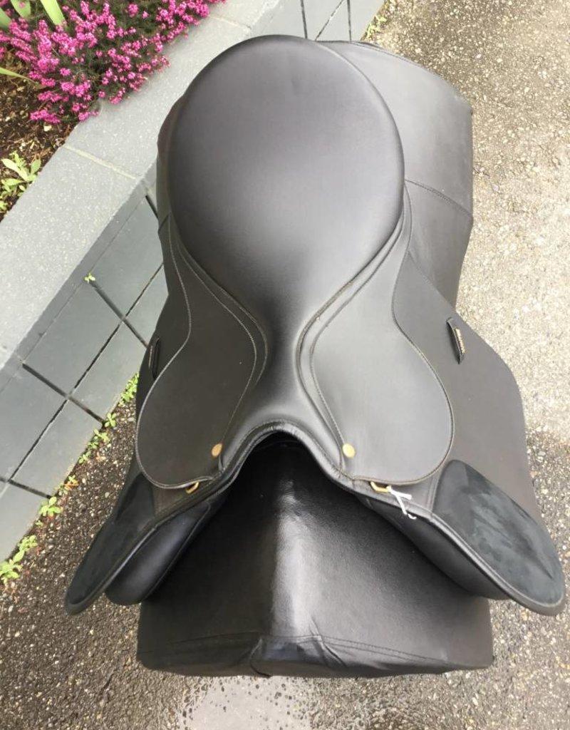 Wintec All-Purpose Black Saddle - Consignment