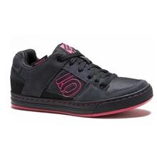 Five Ten Five Ten Women's Freerider Flat Pedal Shoe: Black/Berry, 6.5