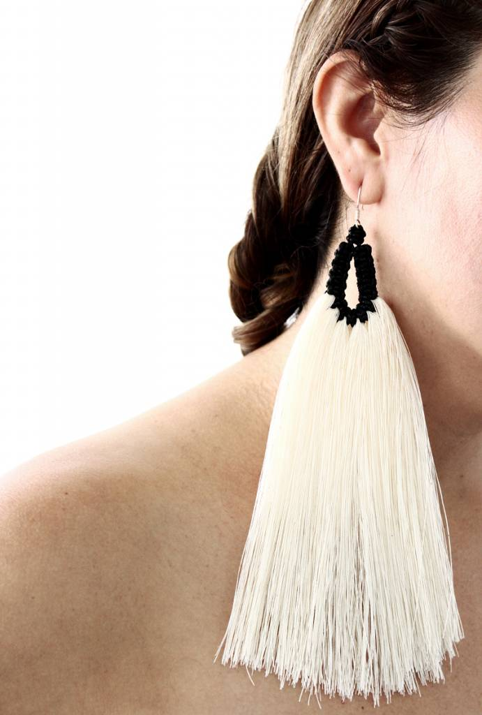 Caralarga Orejas de Conejo Earrings