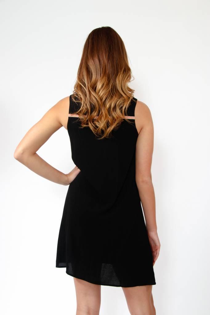 THML S/Less Embrdrd Dress