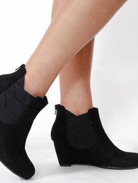 G.C. Shoes Samira Wedge Bootie