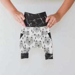 Little Yogi Pantalons Évolutifs Little Angry Bear de Little Yogi/Little Yogi Little Angry Bear Evolution Pants