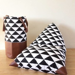 Cyan Degre Cyan Degre - Pouf à Billes/Bean Bag, Triangles Noir et Blanc/B&W Triangles