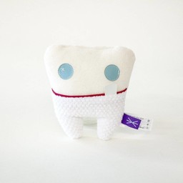 Velvet Moustache Velvet Moustache - Peluche Dent/Tooth Plush Toy