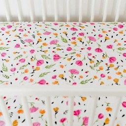 Little Unicorn Little Unicorn - Drap Contour en Percale de Coton/Cotton Percale Fitted Sheet, Baies et Fleurs/Berry and Bloom