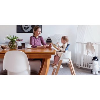 stokke stokke steps assise pour chaise haute high chair seat blanc white charlotte et charlie. Black Bedroom Furniture Sets. Home Design Ideas
