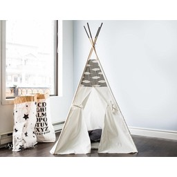 Petit Bouddha Tipi de Petit Bouddha/Petit Bouddha Tipi, Plumes sur Fond Gris/Feathers on Grey
