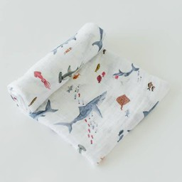 Little Unicorn Little Unicorn - Couverture en Mousseline de Coton à l'Unité/Single Cotton Muslin Blanket, Requin/Shark