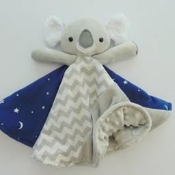 Créations Camomille Créations Camomille - Couverture Tout-Doux/Soft Blanket, Koala
