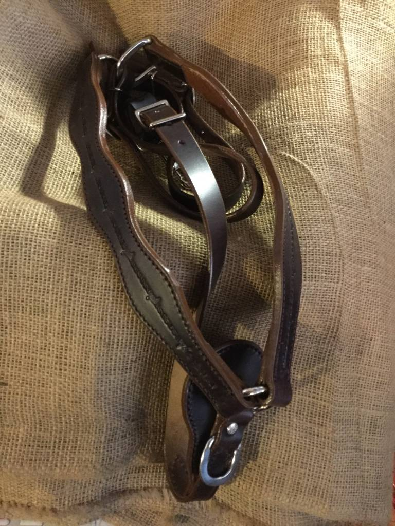 Circle L Circle L Scalloped Breast Collar, D. Oil, Barb Wire Embossed - U.S.A. Made Horse Size