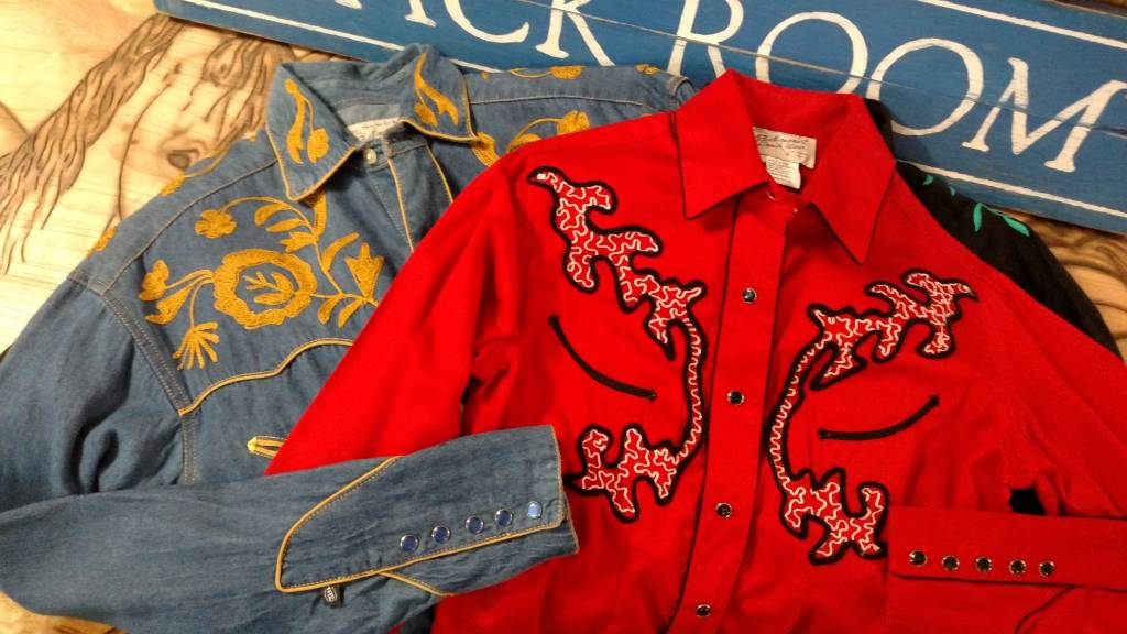 Rockmount Ranch Wear Woman's Rockmount Vintage Western Shirt, Size - Medium - Red - SALE $20