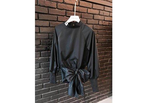 12 BLACK SHIRT