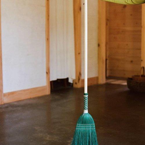 Vaya Verde Broom