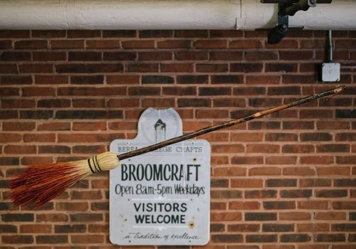 The Berea Rocket Broom (3 lbs)