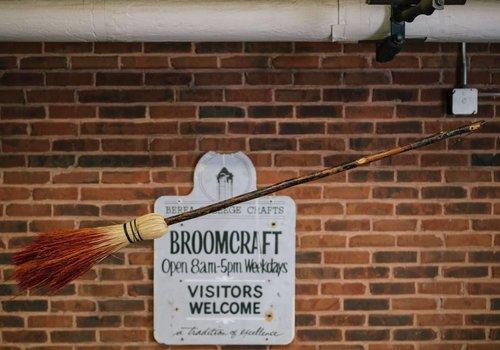 The Berea Rocket Broom (3 lbs)
