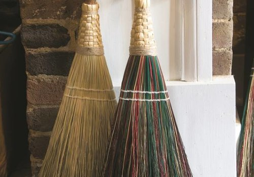 Will-O-Wisp Broom Multi (2 lbs)