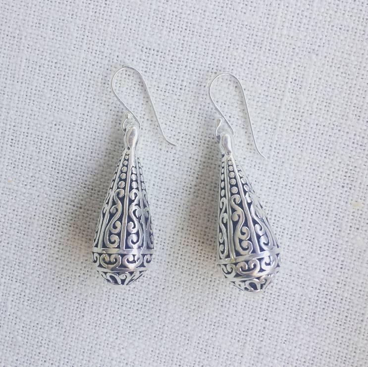 Round Teardrop Earring Silver Filigree
