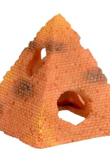 Treasures underwater Pyramide