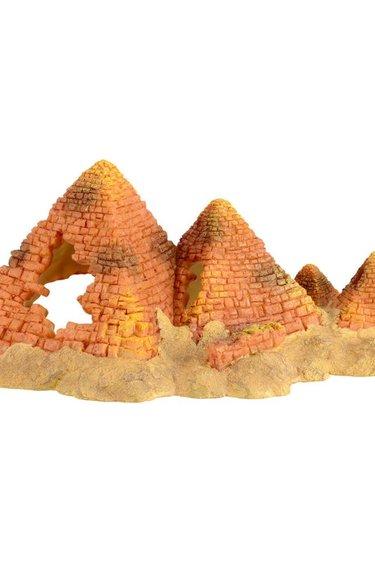 Treasures underwater Plusieurs pyramides