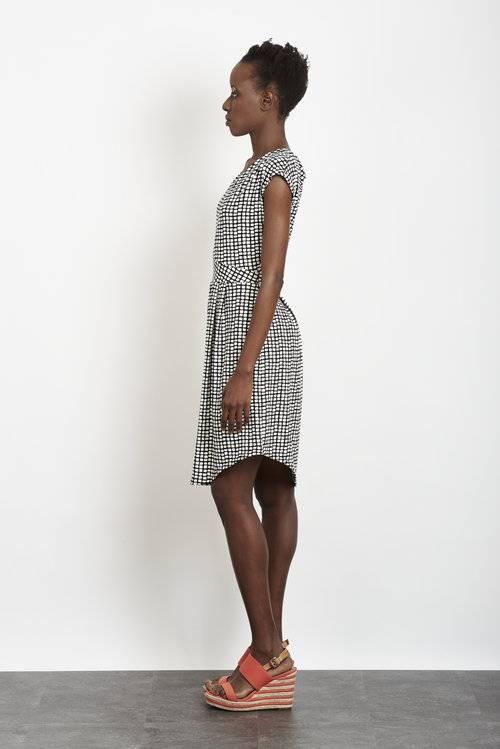 Tangente TANGENTE B+W Dot Print 'Mila' Dress