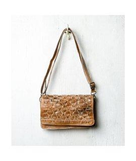 BedStu Aruba tan white leather purse