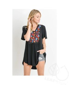 Short Sleeve Floral Embroidery Patch Trim Tunic