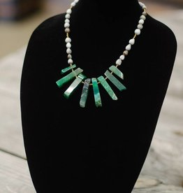 Emerald Green Jade Stone multi-tooth seed necklace