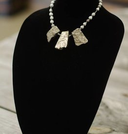 Silver Agate chunk seed necklace- short