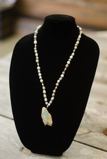 World Opal Stone multi-tooth seed necklace