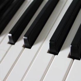 PIANO / KEYBOARD