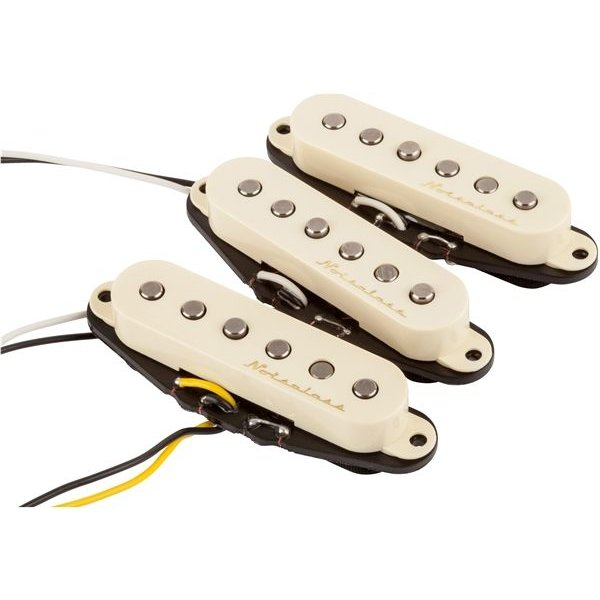 Fender Fender Vintage Noiseless Strat Pickups, (3), Aged White