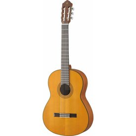 Yamaha Yamaha CG122MCH Classical Guitar Cedar Top Lower Action