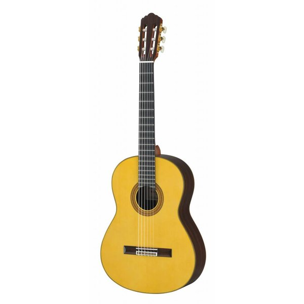 Yamaha Yamaha GC32S Handcrafted Spruce Classical Guitar W/Case