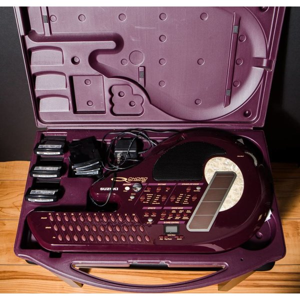Melody Music Shop LLC Used Suzuki Q Chord with Case and Extra Cartridges