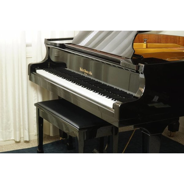 Hallet, Davis & Co Used Hallet, Davis & Co Grand Piano w/ Bench S/N 570650544