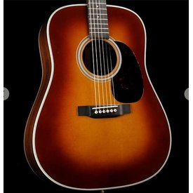 Martin Martin D-28 (2017) Ambertone Standard Series (Case Included)