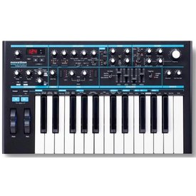 Focusrite Novation Bass Station II Analog Synthesizer, 25-key, Two Oscillators