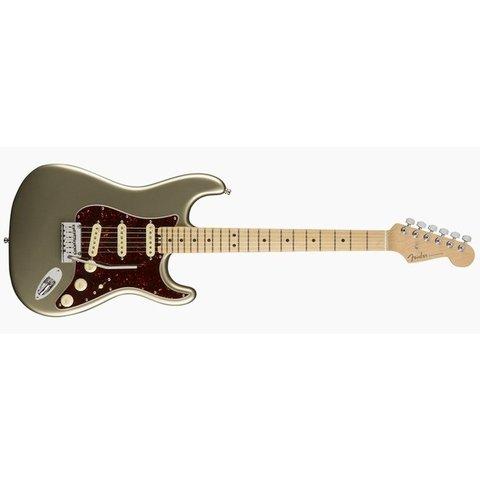 American Elite Stratocaster, Maple Fingerboard, Champagne