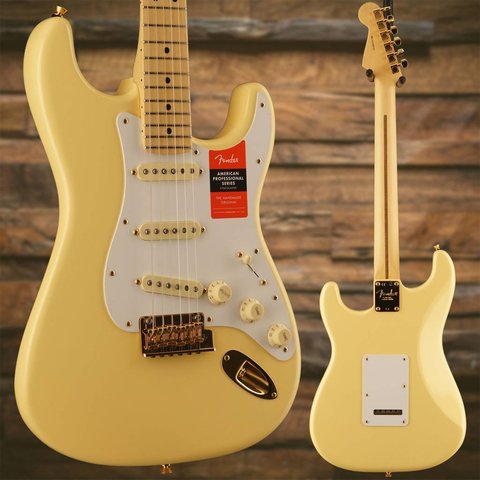 Fender Limited Edition American Pro Stratocaster, Maple Neck, Vintage White w/ Gold HW SN/US18005720