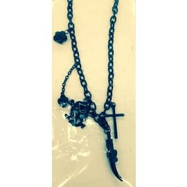 Center Stage Design Pirate Charms Necklace - Black