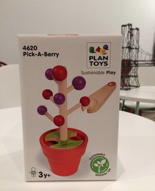 Pick A Berry Game - PLAN TOYS