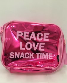FASHION ANGLES: PEACE LOVE SNACK TIME LUNCH BAG
