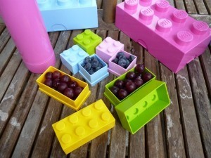 LEGO MINI LUNCH BOX 8 (RED - NOT PICTURED)