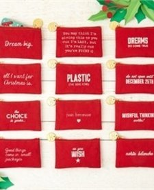 CHRISTMAS GIFT CARD: ZIPPERED POUCH