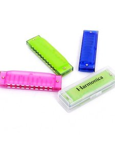 TOYSMITH: TRANSLUCENT HARMONICA (ASSORTED COLORS)